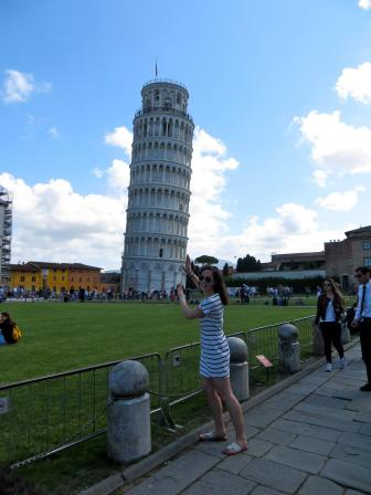 Here is Mary Kate having some fun in Italy!